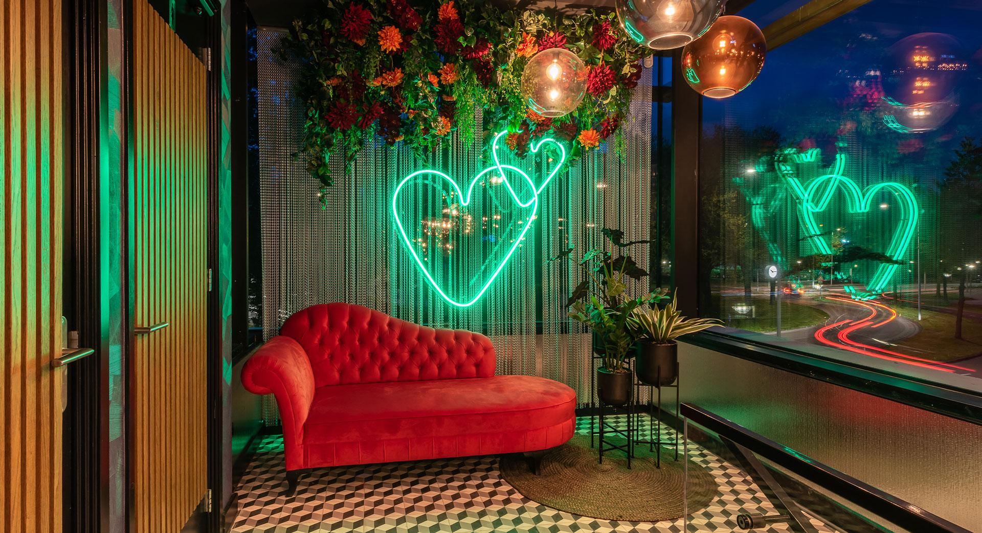 nieuwe-hotspot-amsterdam-restaurant-oeverzicht